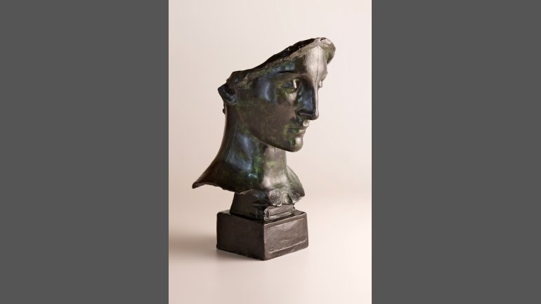 Daniel Chester French, Mourning Victory, Head (Melvin Memorial), 1907, bronze, 20 ½ x 10 3/8 x 11 7/8 inches, Chesterwood, a National Trust Site, Stockbridge, Massachusetts, Bequest of Margaret French Cresson. Photograph by Paul Rocheleau, courtesy Chesterwood.