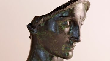 Daniel Chester French, Mourning Victory, Head (Melvin Memorial), 1907, bronze, Chesterwood, a National Trust Site, Stockbridge, Massachusetts, Bequest of Margaret French Cresson. Photograph by Paul Rocheleau, courtesy Chesterwood.